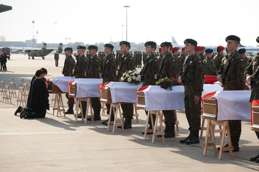Ekshumacje ofiar katastrofy smoleńskiej. Są wątpliwości co do tożsamości szczątków?