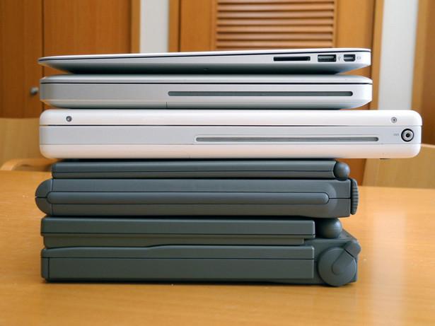 Laptopy Apple. Fot. Flickr/raneko