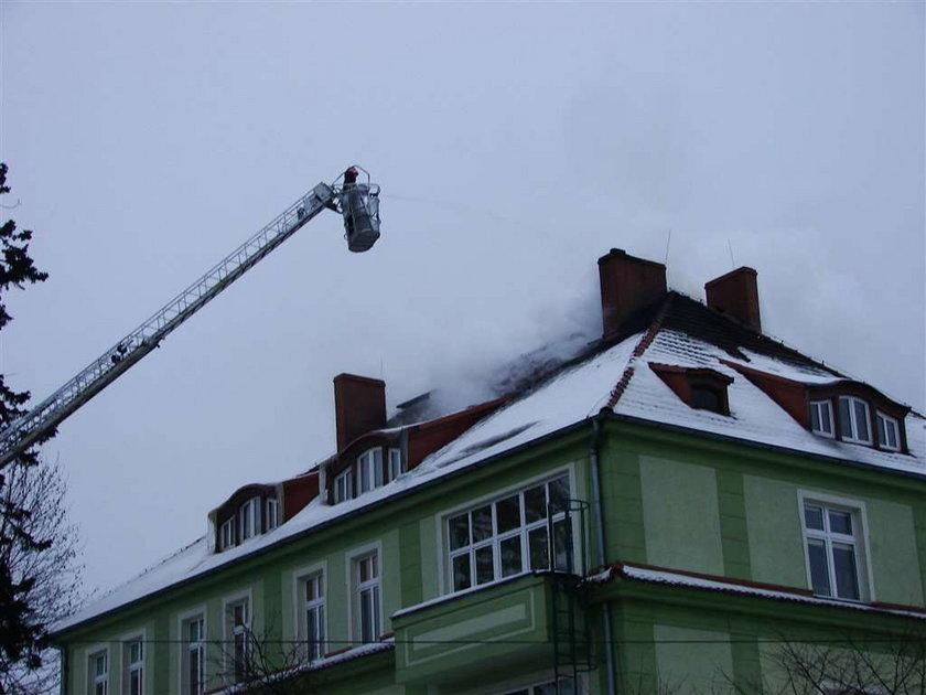 szkoła, pożar, ogień