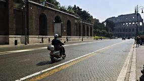 Kara grzywny za oznaczanie wyrw na ulicach. Mieszkańcy Rzymu protestują