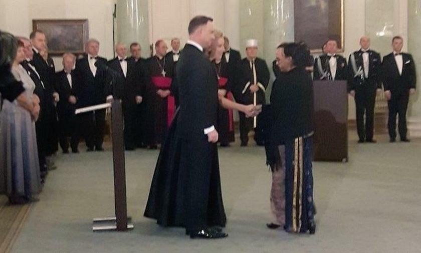 Prezydent Andrzej Duda w sutannie? To pytanie od wczoraj zadają sobie intrenauci