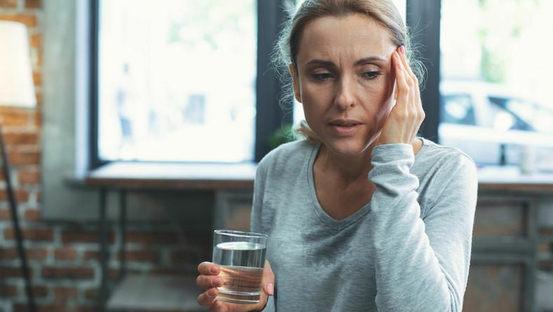 Kobieta źle się czuje