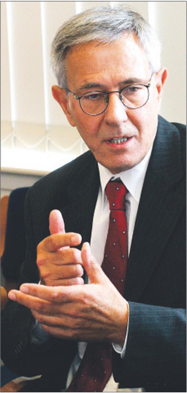 Stanisław Rymar od 2007 roku wiceprzewodniczący Trybunału Stanu, prezes Naczelnej Rady Adwokackiej w latach 2001 – 2007, kandydat na sędziego Trybunału Konstytucyjnego popierany przez Platformę Obywatelską Fot. Wojciech Górski