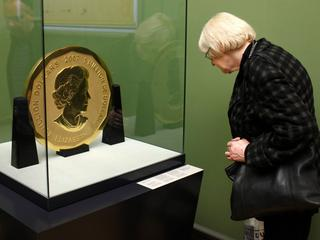 Giant coin stolen in Berlin