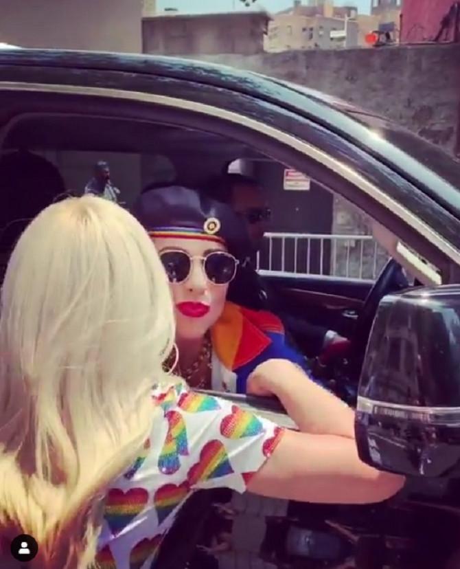 Ledi Gaga i Donatela Versače pre odlaska na njujoršku Paradu ponosa