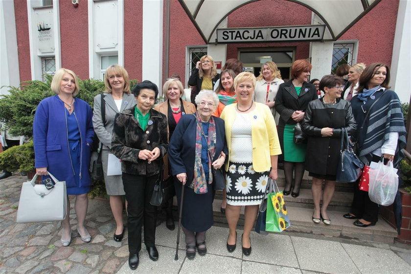 W maju szkoła pani Anity świętowała 70-lecie istnienia. Niestety na uroczystościach emerytka nie spotkała nikogo ze swojej klasy