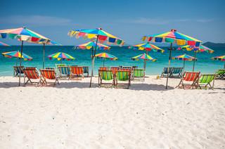Tajlandia otworzy się na zaszczepionych turystów. Na początek odwiedzą prowincję Phuket