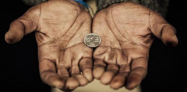 W 2018 roku ubóstwem było zagrożonych prawie 10 proc. mieszkańców naszego kraju