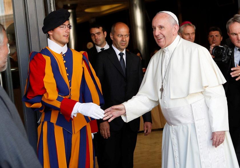 """Terroryści grożą papieżowi. Szef gwardii: """"jesteśmy przygotowani"""""""