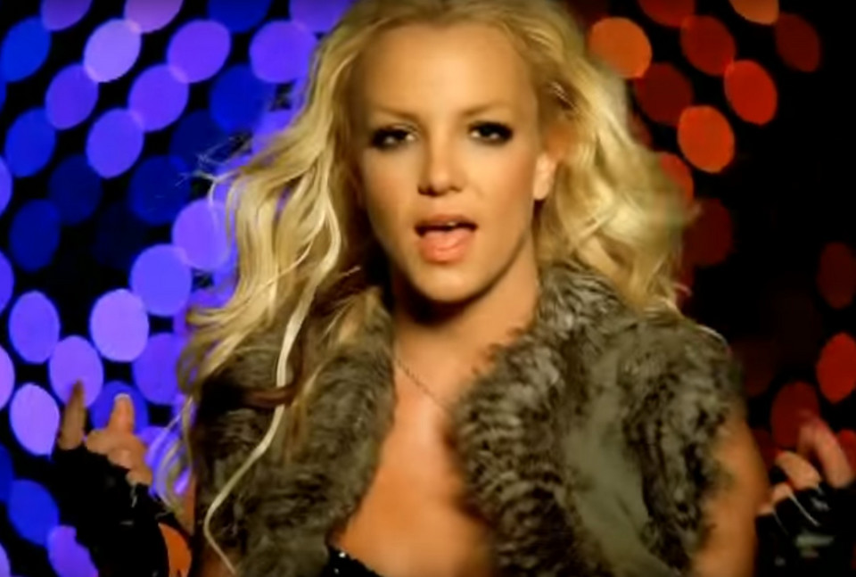 "Britney Spears w teledysku do ""Piece of Me"""