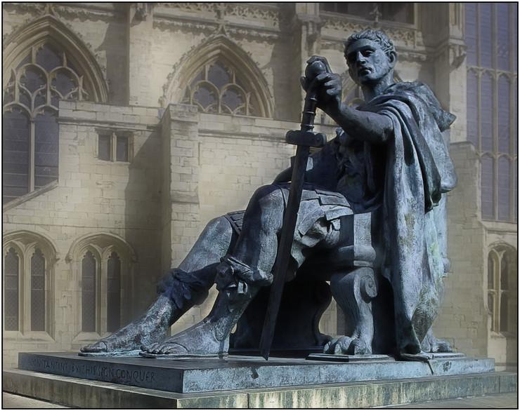 Konstantin Veliki - spomenik u Jorku