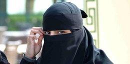 Bandyci zaatakowali ciężarną muzułmankę. Kopnęli ją w brzuch