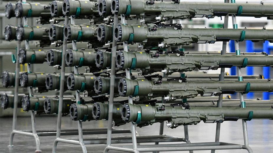 Sprzęt wojskowy w siedzibie Mesko w Skarżysku-Kamiennej