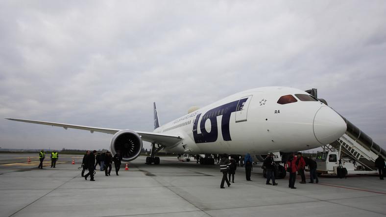 Uziemienie Dreamlinerów kosztuje LOT już 8 mln zł
