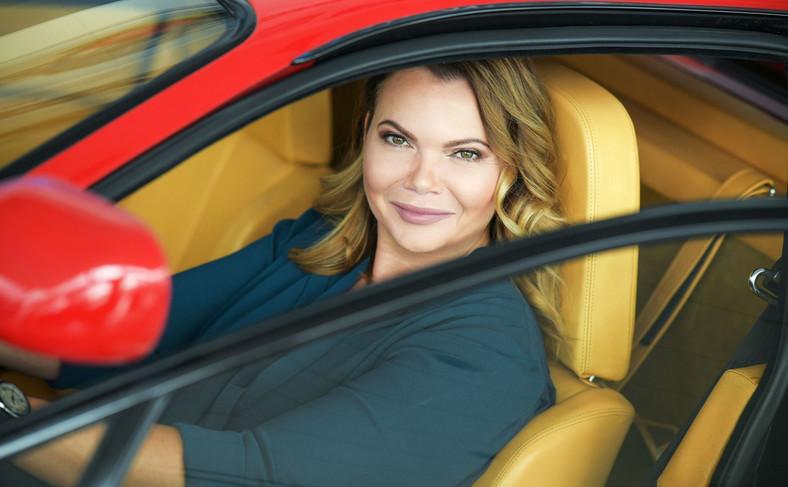 Karolina Topolova lubi samochody z duszą. AAA Auto stworzyło nową markę Mototechna Classic obecną na razie tylko w Czechach, która oferuje auta klasyczne