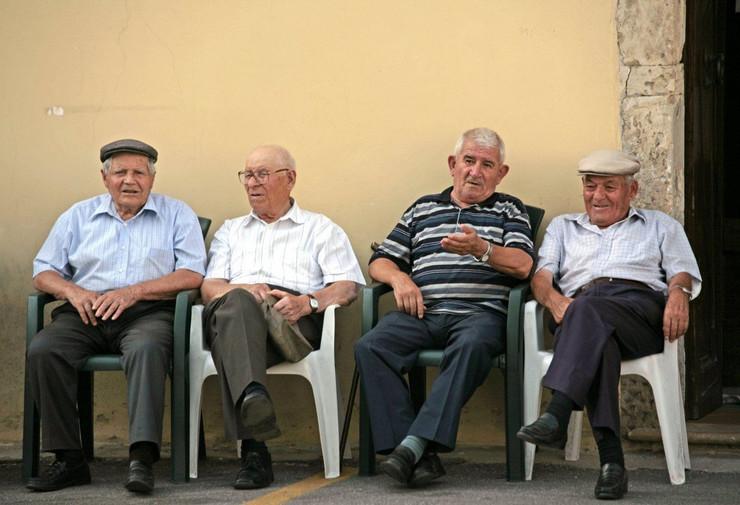 stari ljudi italija