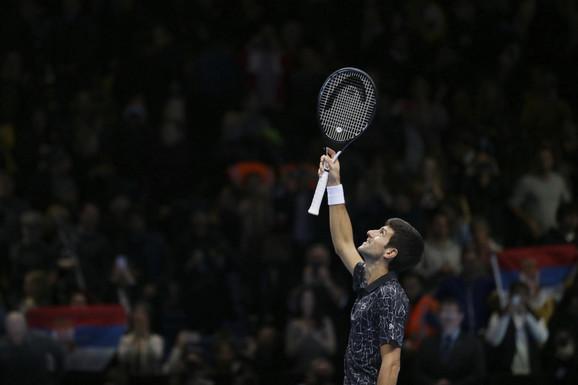 Novak Đoković slavi pobedu nad Kevinom Andersonom u Londonu