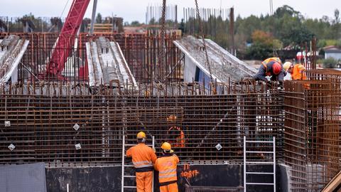 Vistal Gdynia to producent konstrukcji stalowych. Spółka zadebiutowała na warszawskiej giełdzie w 2014 r.
