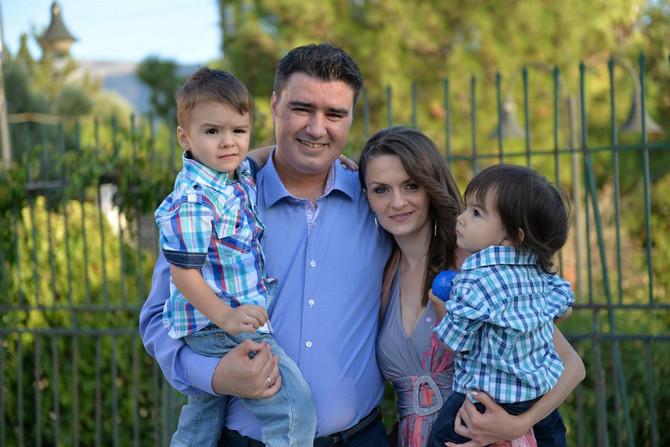 Sanja Ivić sa suprugom i sinovima