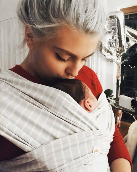 NIJE JE UPOZNAO: Porodila se pre vremena, rodila zdravu devojčicu, a sada RAZNEŽILA FOTOGRAFIJOM!