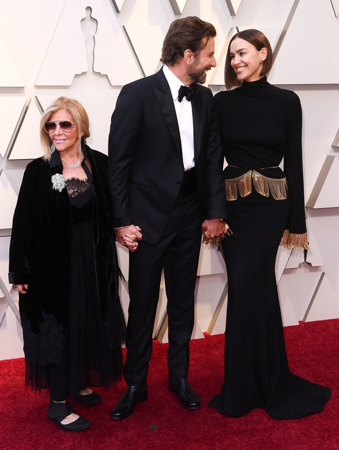Bredli Kuper sa Irinom i majkom Glorijom