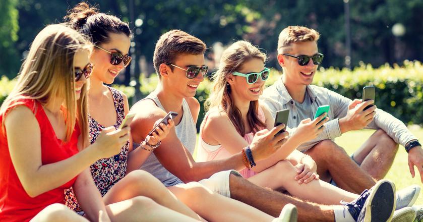 Dynamiku rynku smartfonów znacznie wyhamowała.