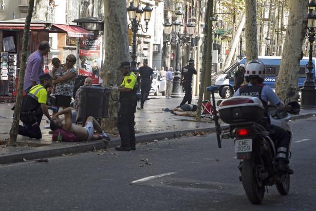 Petru skierował list kondolencyjny do premiera Hiszpanii Mariano Rajoya oraz szefa hiszpańskich liberałów Alberta Rivery.