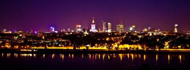 2. miejsce - Warszawa – stolica polski jest drugim najchętniej odwiedzanym przez turystów polskim miastem. Co najbardziej podoba się turystom w Warszawie? Przede wszystkim Stare Miasto, odbudowane po II Wojnie Światowej, monumentalny Pałac Kultury i Nauki, Łazienki Królewskie, Krakowskie Przedmieście, które zdaniem wielu turystów pokazuje stolicę Polski najlepszej strony.