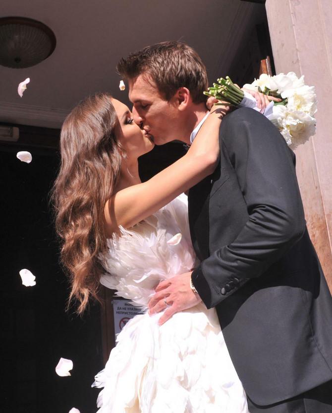 Prvi poljubac Anje i Huga