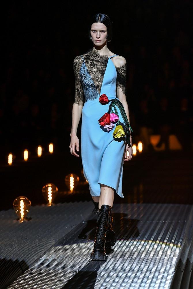 Milanska nedelja mode. Model iz kolekcije modne kuće Prada za jesen7zimu 2019/20