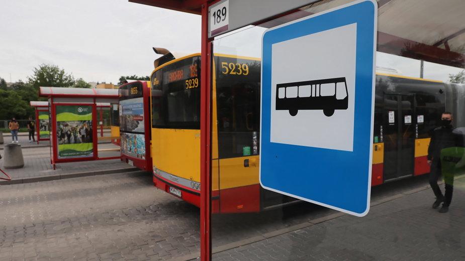 W Warszawie trwają kontrole kierowców autobusów