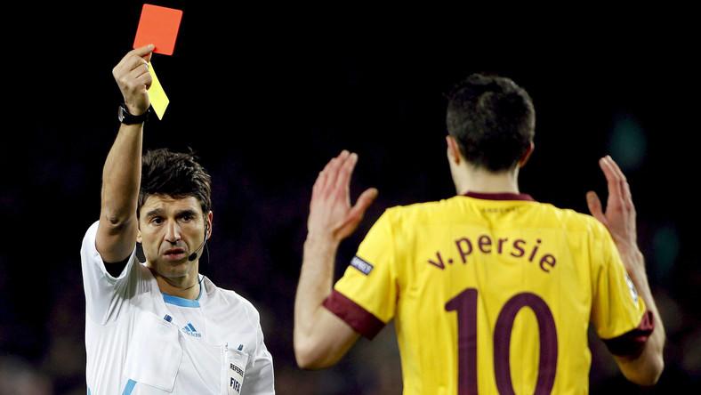 Van Persi w meczu z Barceloną został został wyrzucony z boiska