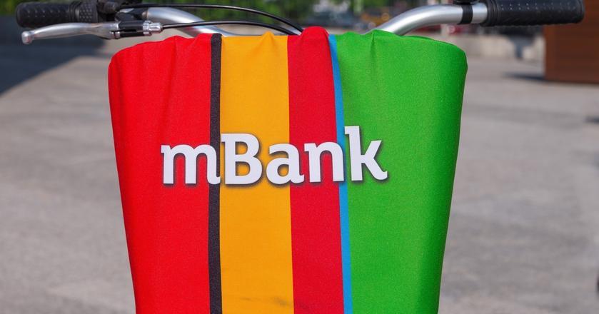 """mBank zapewnia, że """"tęcza"""" jako wzór karty nie została odrzucona celowo"""