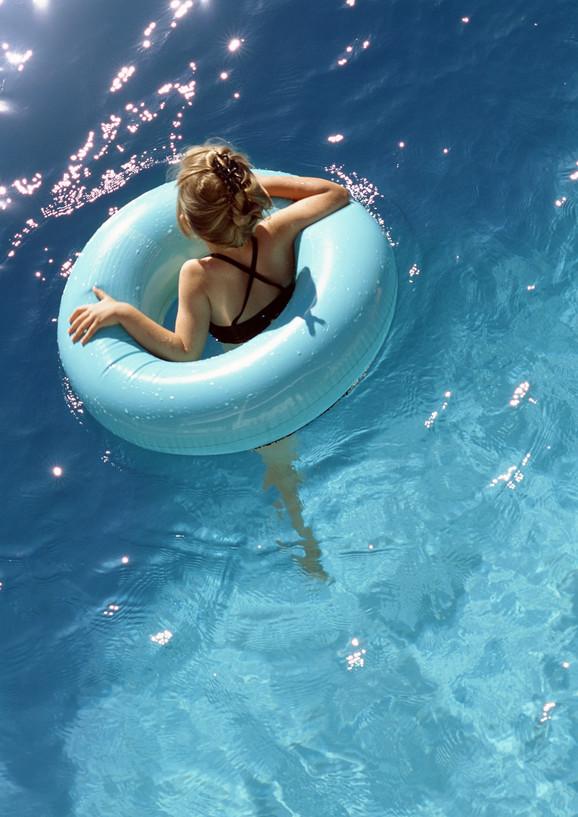 Šlauf za decu - spas u vodi, opasnot na suvom