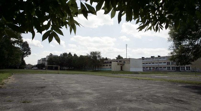 W Sosnowcu boiska przy szkołach to ruiny