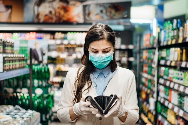 Informacja o dochodzie rozporządzalnym nie mówi wszystkiego o stanie domowych budżetów w czasie pandemii.