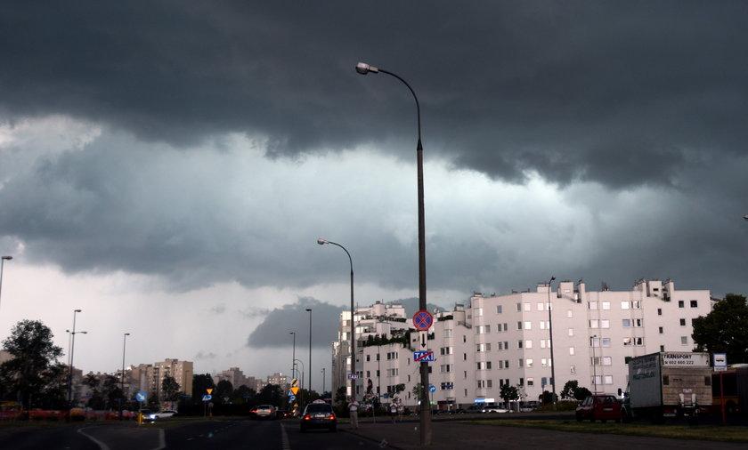 Drugi dzień majówki upłynie nam pod znakiem obfitych opadów.