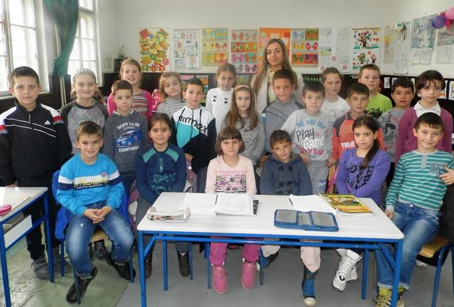 """Đaci II 1 OŠ """"Živko Ljujić"""" iz Nove Varoši sa učiteljicom"""