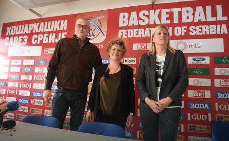 Predsednik KSS Predrag Danilović, selektorka košarkašica Marina Maljković i Ana Joković, potpredsednica KSS za žensku košarku