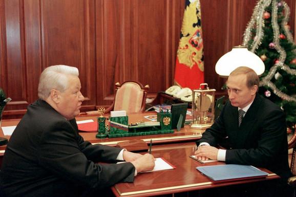 Sastanak Borisa Jeljcina i Vladimira Putina 31. decembra 1999. godine, na dan kada je Putin postao privremeni predsednik Rusije