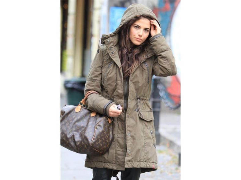 Weronika Rosati wie, jak stworzyć modną stylizację.