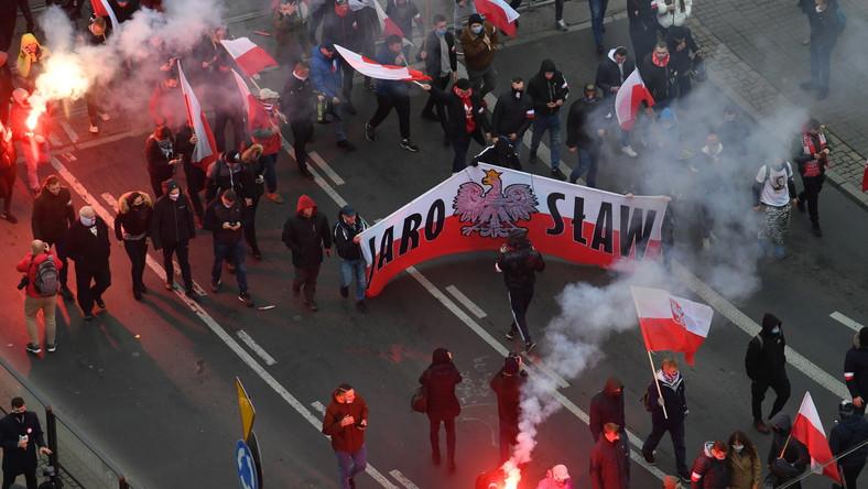 """Tegoroczny Marsz Niepodległości w Warszawie pod hasłem """"Nasza cywilizacja, nasze zasady"""""""