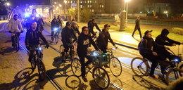 Przejazd rowerzystów przez centrum
