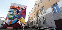 Zareaguje jak płachta na byka?! Messi mieszka na przeciwko muralu z Ronaldo!