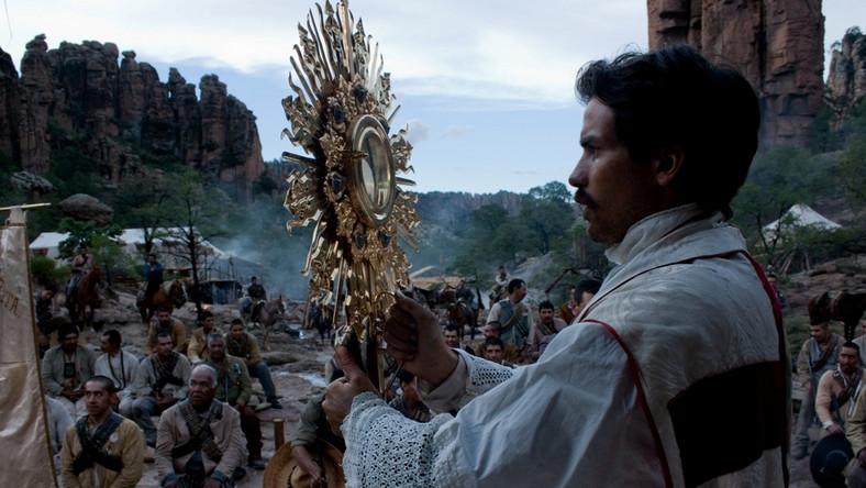 Akcja filmu toczy się w latach 1926-1929 podczas Powstania Cristeros przeciwko antyklerykalnemu rządowi w Meksyku. Zrywu, który starano się wymazać z historii kraju