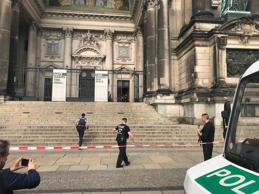 strzały w katedrze
