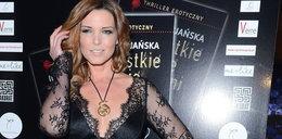 Felicjańska spłodziła obscenę i reklamuje ją dekoltem