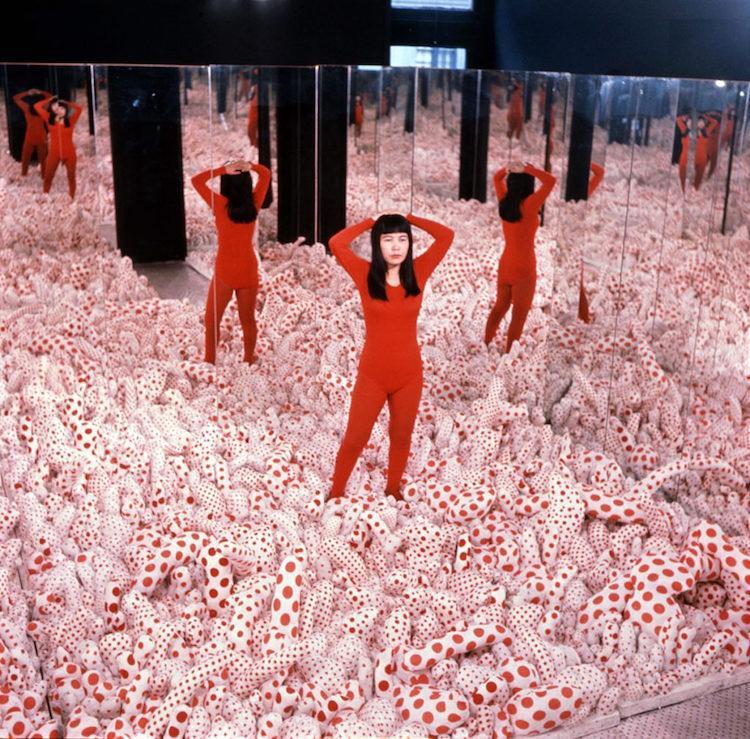 Najbardziej spektakularne instalacje autorstwa Yayoi Kusamy. To jej rok w sztuce