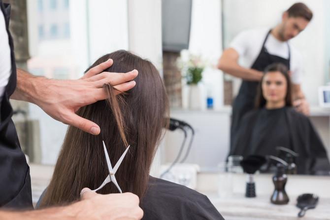 Redovno šišajte procvetale krajeve kako bi vaša kosa izgledala zdravo i lepo