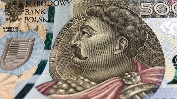 """Szef NBP wskazał, że nominał 500-złotowy został wprowadzony, żeby był """"narodowy zapas gotówki""""."""